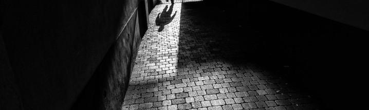0_Jak ven ze stínu_SE